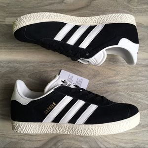 Adidas black gazelle J 6 new